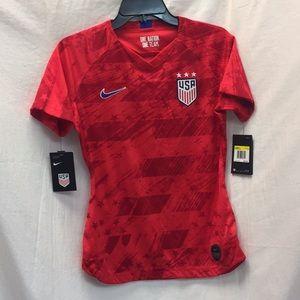 NWT USA Nike Sz Sm Soccer Jersey